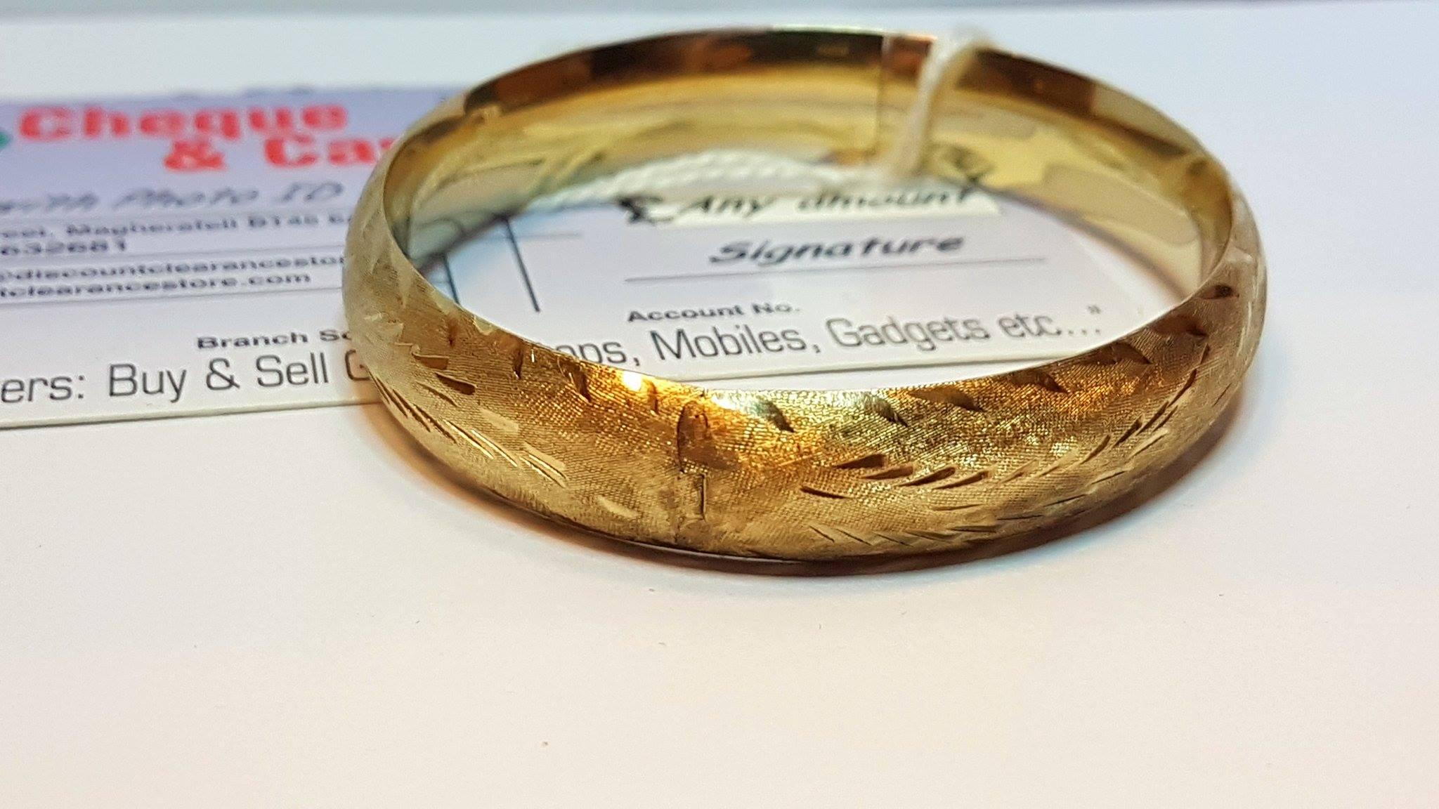 ad7029f3d STOLEN!! 9ct Gold Gucci Style bracelet - Cash Express Repair Centre
